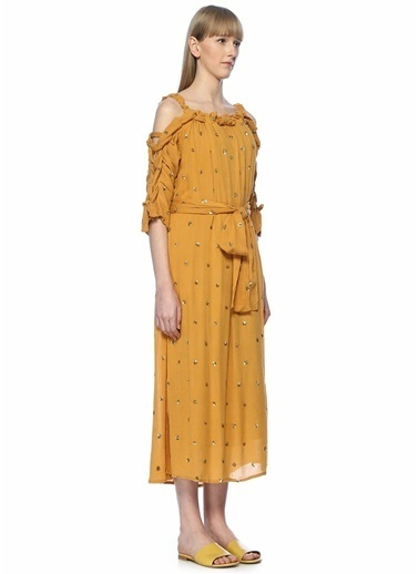 Sundress Omzu Açık İşlemeli Midi Elbise Hardal